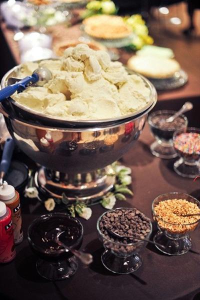 top-8-dessert-bar-ideas-46.jpg