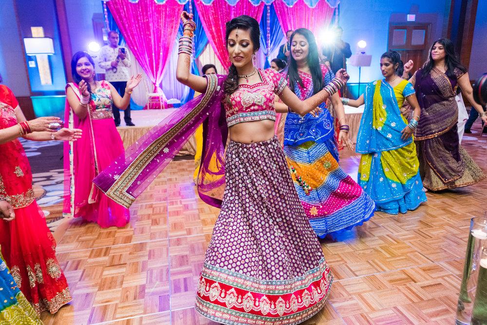 ReeyaAman-Wedding-Photography-www.MnMfoto.comMnMfoto-Krishna-Sajan-465.jpg