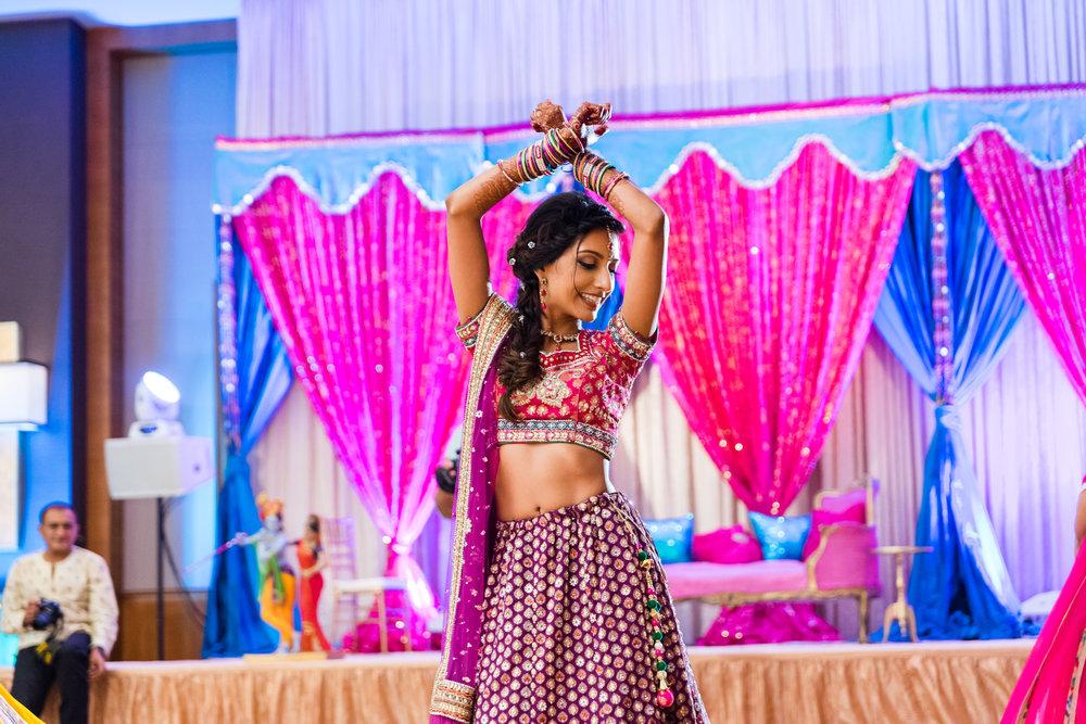 ReeyaAman-Wedding-Photography-www.MnMfoto.comMnMfoto-Krishna-Sajan-707.jpg
