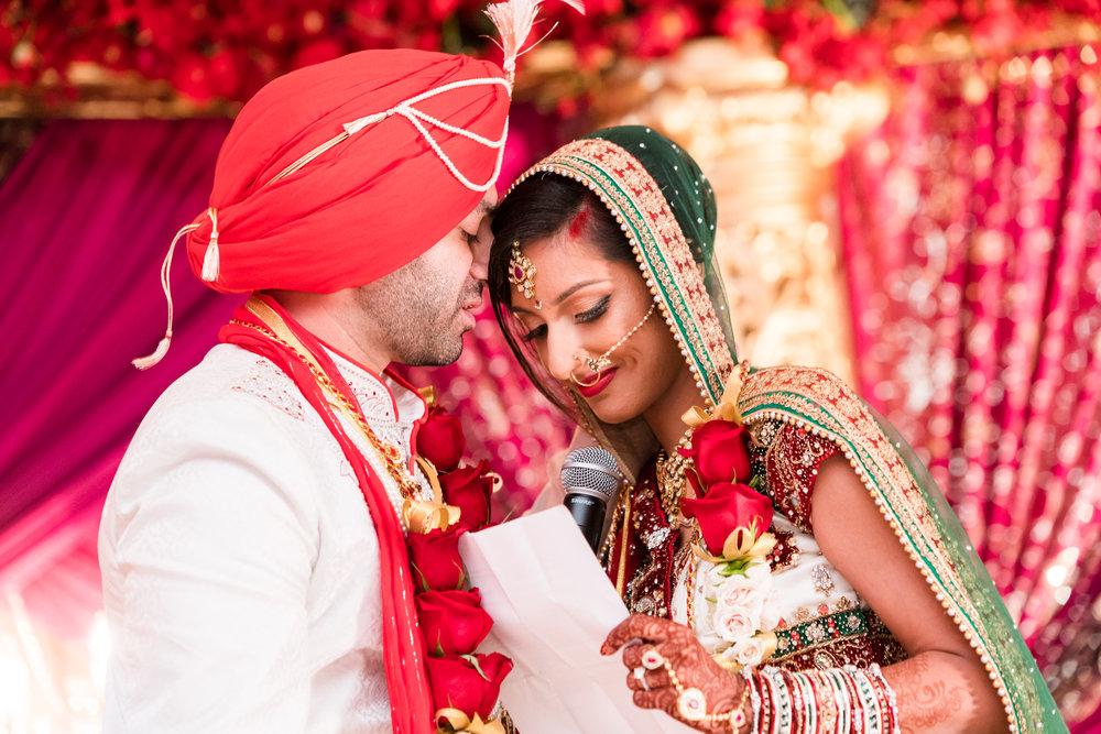 ReeyaAman-Wedding-Photography-www.MnMfoto.comMnMfoto-Krishna-Sajan-1162.jpg