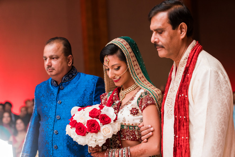 ReeyaAman-Wedding-Photography-www.MnMfoto.comMnMfoto-Krishna-Sajan-1049.jpg