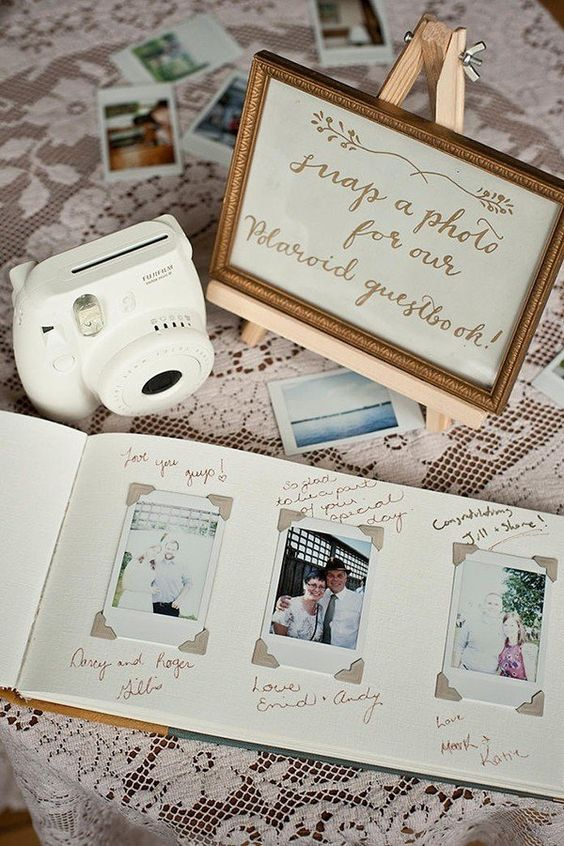 Polaroid-wedding-guestbook.jpg