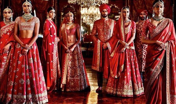 SABYASACHI-MUKHERJEE-INDIAN-BRIDAL-DRESSES-COLLECTION-1.jpg