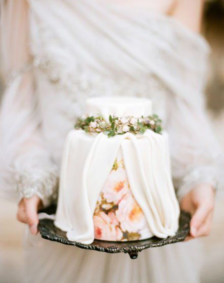 wedding_trend_2018_pleatedcakes (1).jpg