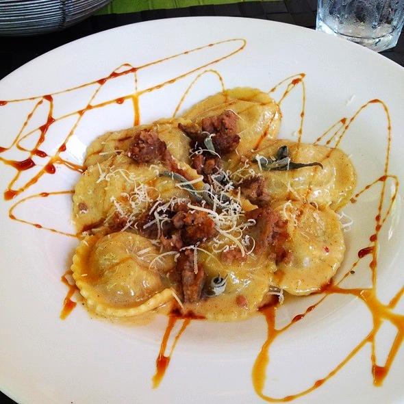 Tortelli di mele at Pasta di Pulchinella (photo from foodspotting)