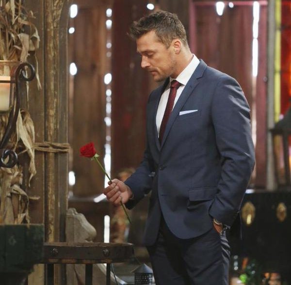 Chris Soules makes his final choice (photo from ABC/Twitter)