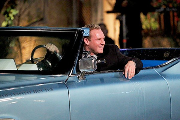 the-bachelorette-hot-tub-car aceshowbiz.jpg