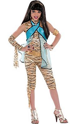 girl cleon costumer partycity.jpg