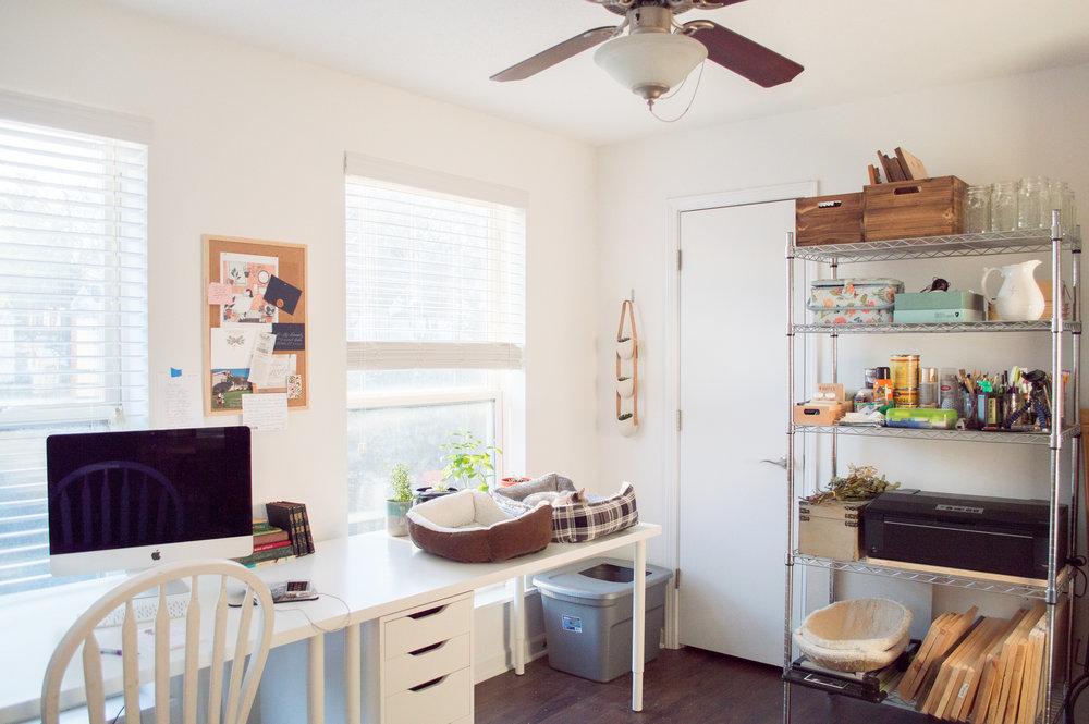 home studio, marietta home studio, brumby apartments, marietta calligrapher