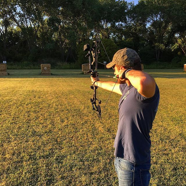 Longer days = time spent at the range. Practice makes perfect . . . #eatinvasive #huntinvasive #hunting #beararchery #outdoorlife #wildpig #invasivespecies #bowhunting #bowhunt