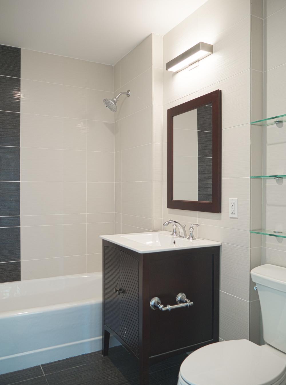 7 main bath.jpg