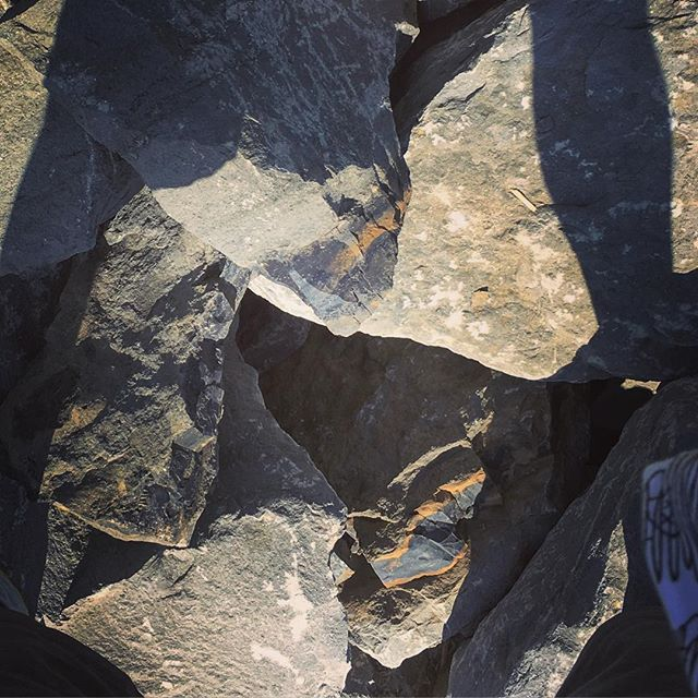 #accident #rocks #iron #breccia #shadows #pigpen shirt in Sunset Park Waterfront