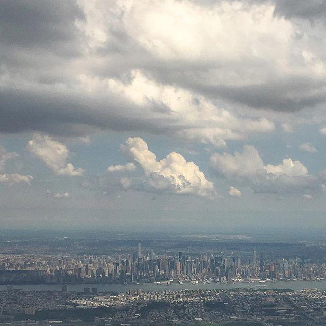 Big #puffy #clouds over #manhattan #nyc #newyork #newjersey #hudsonriver flying into #newark yesterday #iphonepics