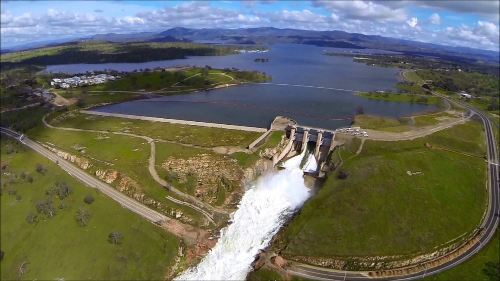 Tuolumne Spillway overflowing on February 22, 2017, footage by Ken Cantrell