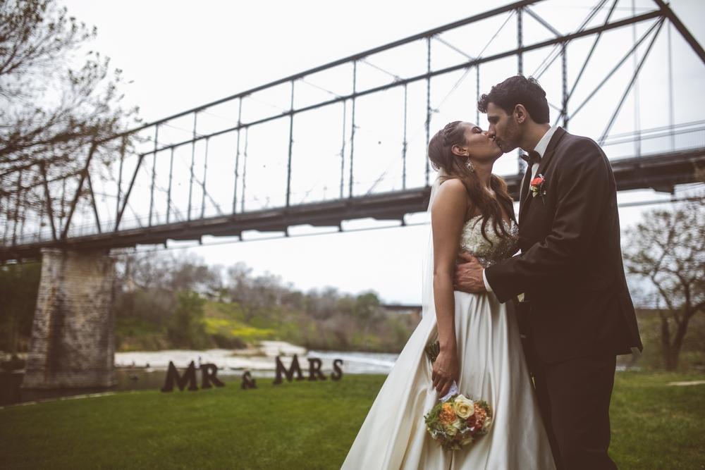 Milltown-Historic-Distric-Wedding-New-Braunfels-026.jpg