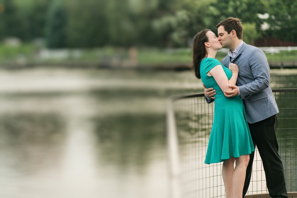 Lincoln_Park_Engagement_Photography-024.jpg
