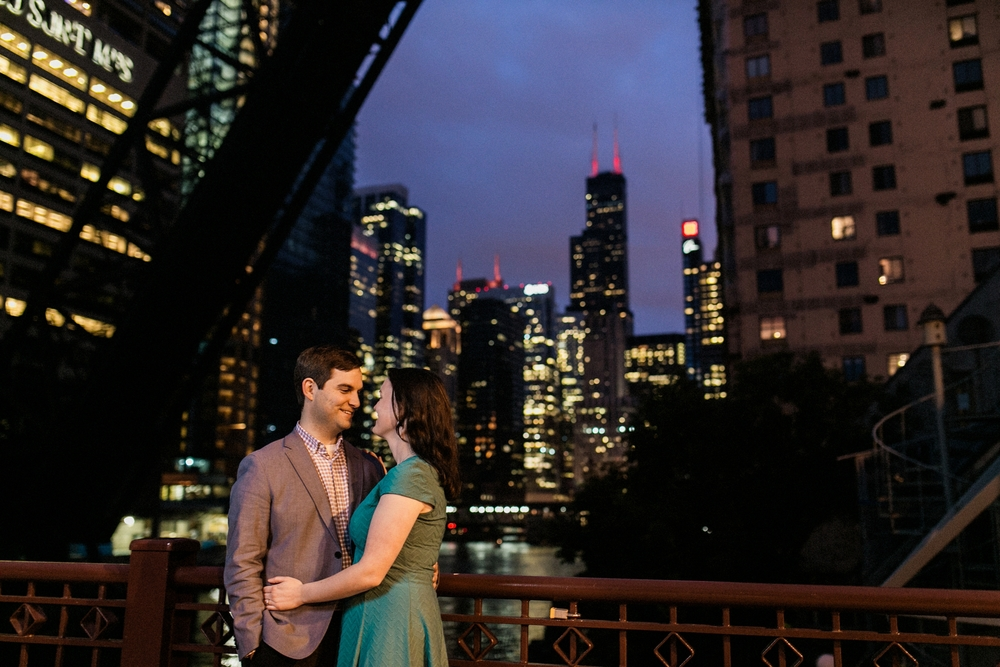 Lincoln_Park_Engagement_Photography-026.jpg