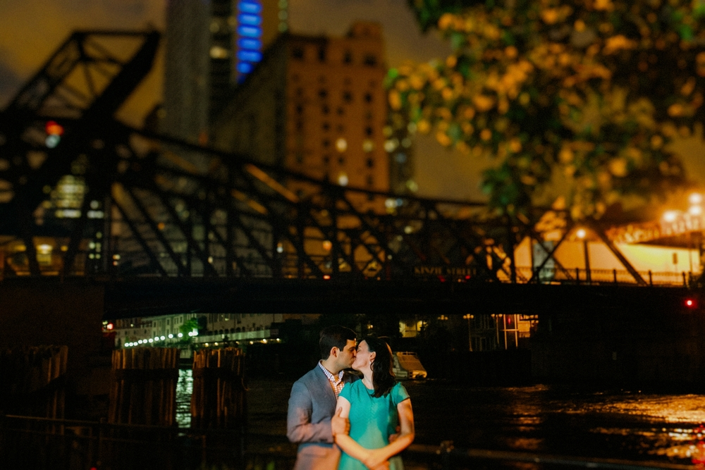 Lincoln_Park_Engagement_Photography-030-exp.jpg