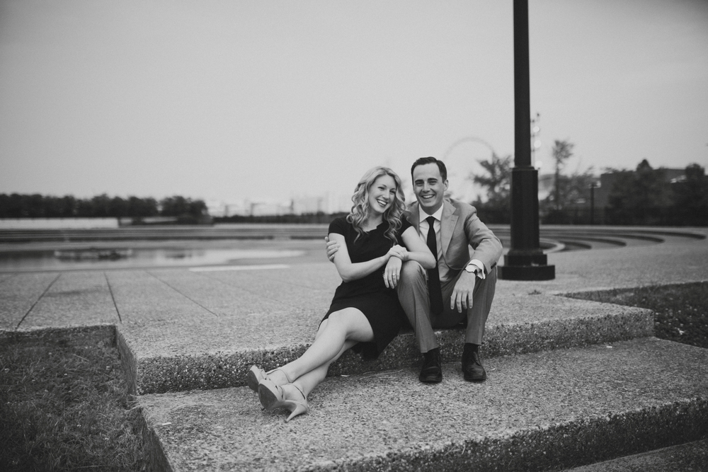Downtown-Chicago-Engagment-Photography-010.jpg