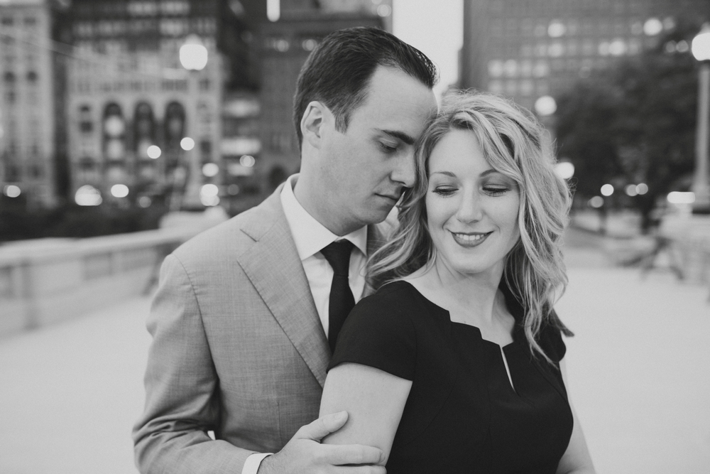Downtown-Chicago-Engagment-Photography-055.jpg
