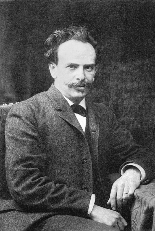 A much better version of the cropped photo of Franz Boas I worked from: a small image on a display that I snapped a shot of with my phone. I hunched at my cafe table referring to my phone as I drew the following.