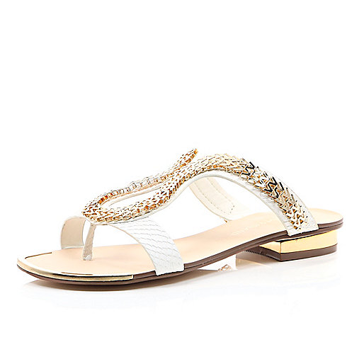 WHITE CHAIN LOOP SANDALS   Make any outfit shine with these embellished chain loop sandals. Featuring gold tone hardware and a block heel. Perfect for the summer.    Was  £38.00  Now  £25.00 we do love a good sale click the image to shop.