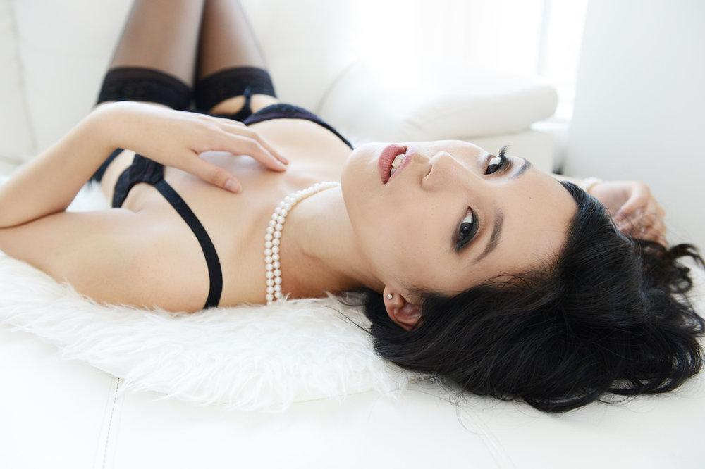boudoir-black-lingerie-smoky-eye.jpg