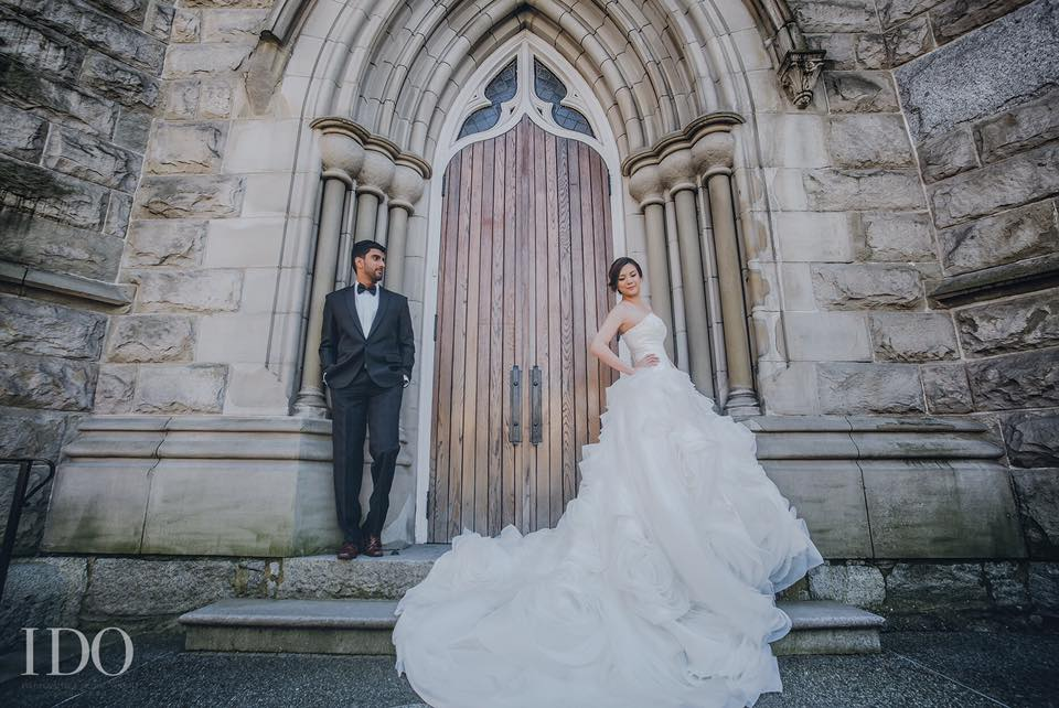 Bride and Groom at the doors of the Holy Rosary Cathedral