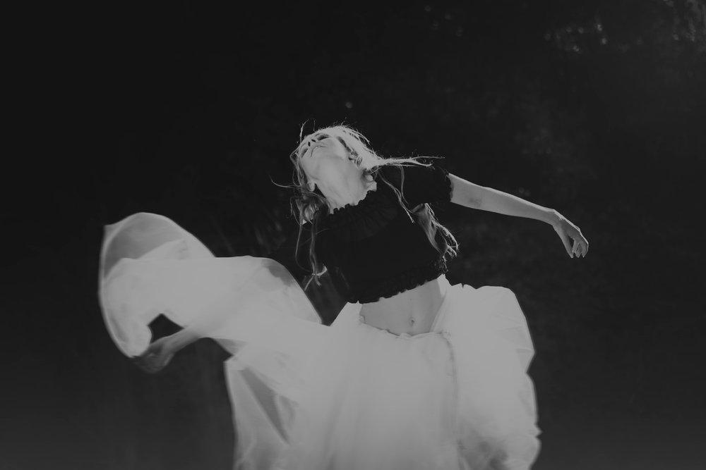 portrait bnw dancer sara correia photography010.jpg
