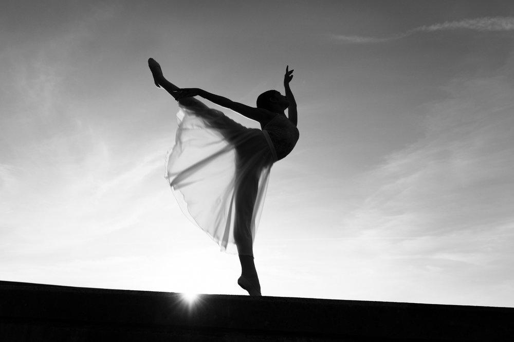 portrait bnw dancer sara correia photography013.jpg