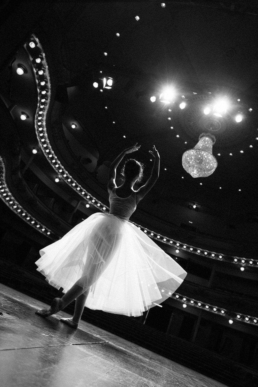 portrait bnw dancer sara correia photography014.jpg