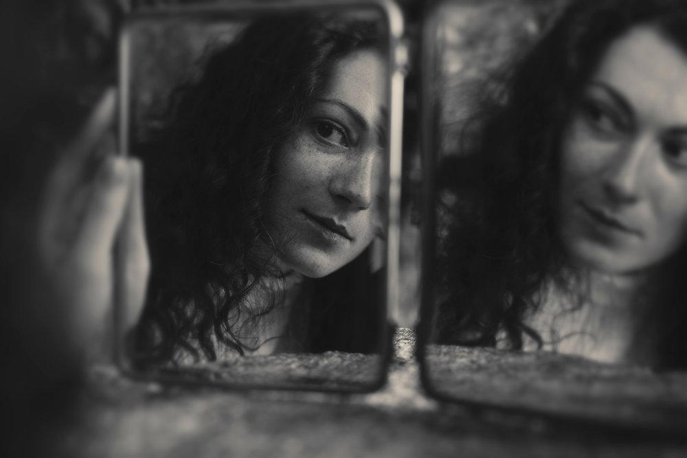 portrait bnw mirrors sara correia photography015.jpg