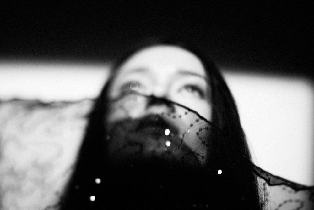 portrait-spotlight-bnw-dream-sara-correia-photography.jpg
