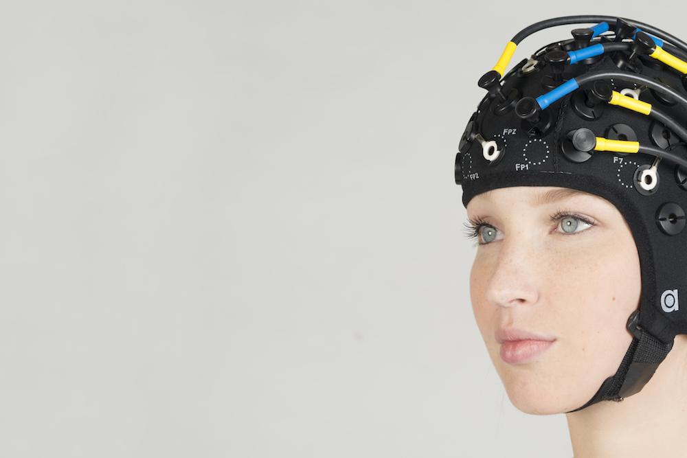 OxyMon EEG ring electrode zoom.jpg