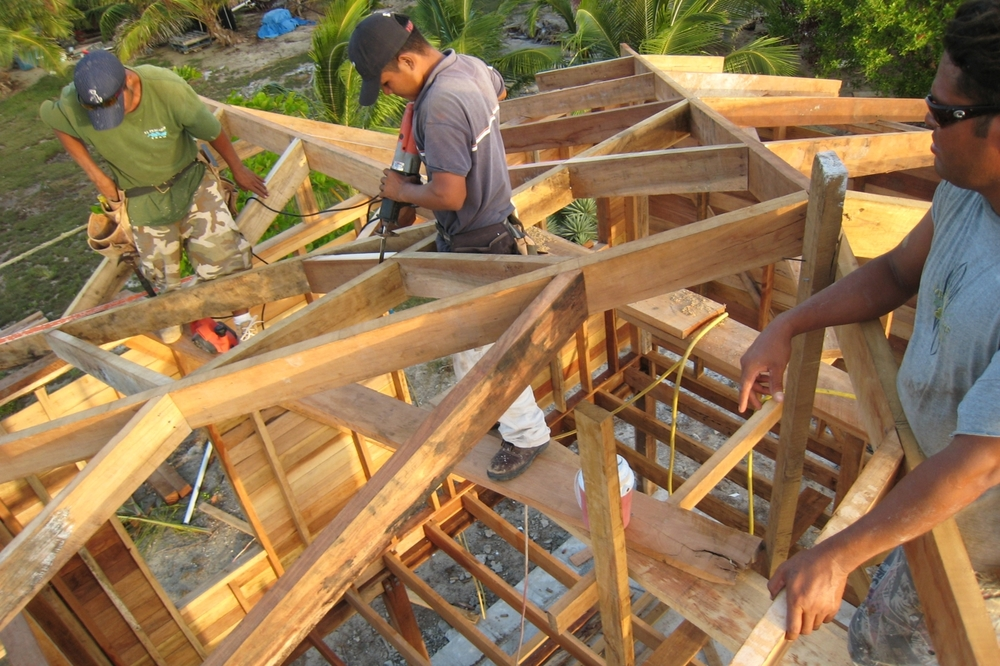 Roof construction · Driftwood Lodge Caye Caulker, Belize, CA