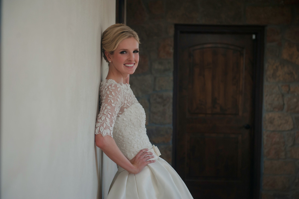 Elegant Texas bridal portraits at Ma Maison
