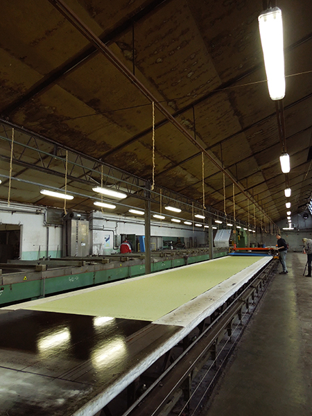35 meters long printing table