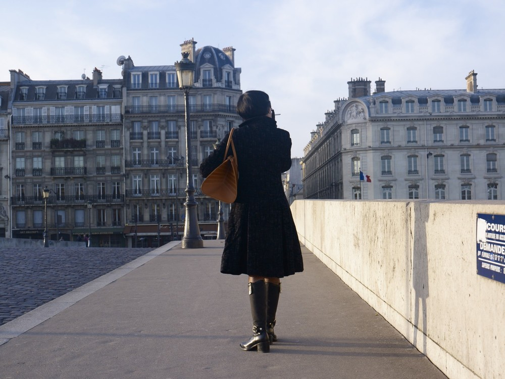 The Peau de Chagrin bag, Le pont du Carrousel, Paris