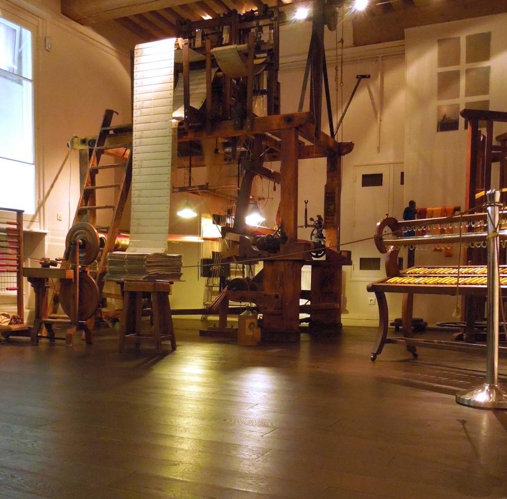 Lyon – Museum La Maison des Canuts in la Croix Rousse – Jacquard weaving loom – XiXth century