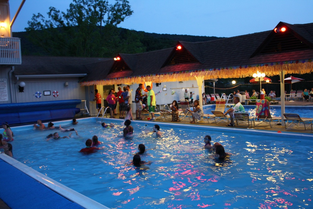 pools are open until 10pm