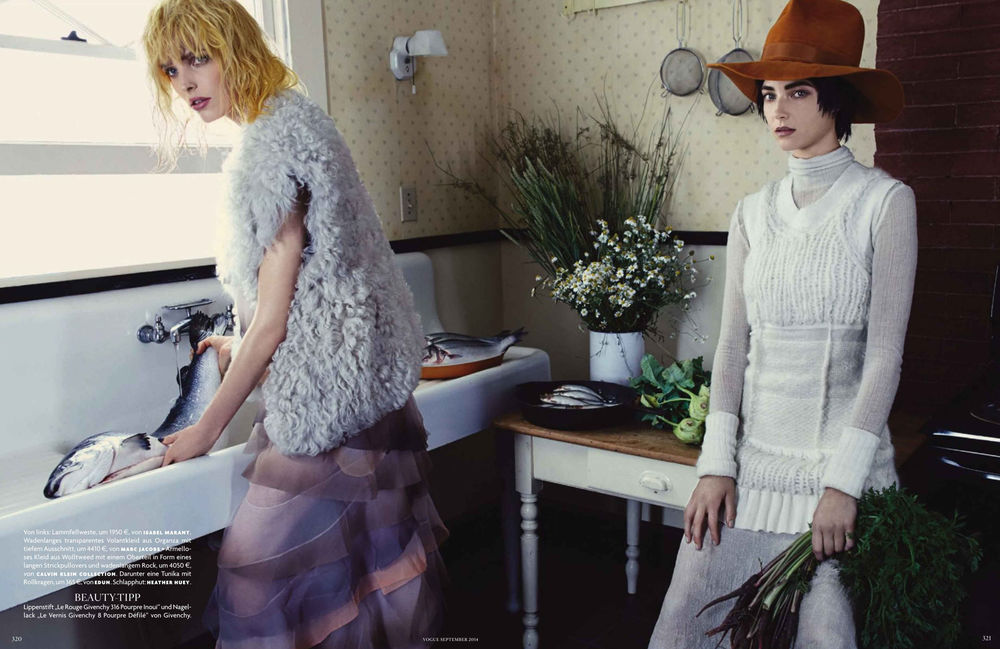 Alisa-Ahmann-and-Stephanie-Joy-Field-by-Emma-Summerton-for-Vogue-Germany-September-2014-6.jpg