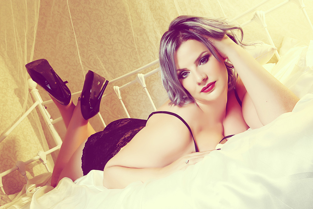soft-sexy-boudoir-photography-award-winning-photographer-female-makeover-manchester.jpg