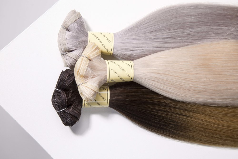 Versatility At Its Finest - Our unique, revolutionary weft is more versatile than ever! The Seamless Weft™ features a shed-free weft which can be cut to any desired width, making it perfect for Sew-Ins, Clip-Ins, and other specialty techniques. Each extension is created with the same 100% Remi™ Human Hair quality you have come to love from Bohyme®.