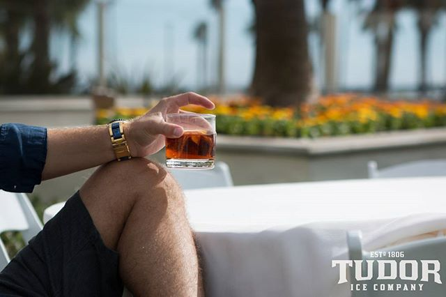 Our innovative 9-step process takes tap water and purifies it until there is nothing left except for pure H2O. Due to it's purity, #TudorIce adds absolutely nothingto the drink. Now you will be able to taste your spirit exactly as the producer intended withminimal dilution and maximum chill.  #mixology #bartender #bartenderlife #drink #drinks #pub #bar #slurp #liquor #yum #yummy #thirst #thirsty #instagood #alcohol #cocktail #cocktails #drinkup #glass #can #photooftheday #beer #beers #wine