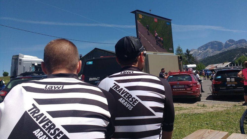 The Matts watching the Criterium amongst the team cars