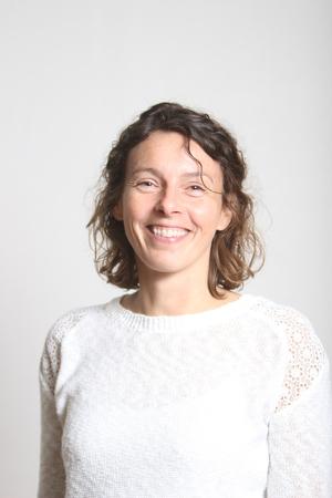 Britt Korsgaard er teamleder for TeamUBUNTU-linjen. Har man spørgsmål eller brug for yderligere information vedrørende linjen, kan man rette henvendelse via mailen bk@skovboefterskole.dk