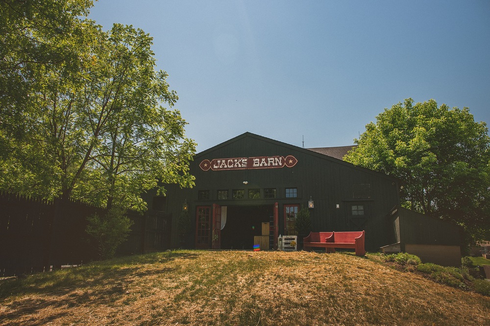 02-jacks-barn.jpg