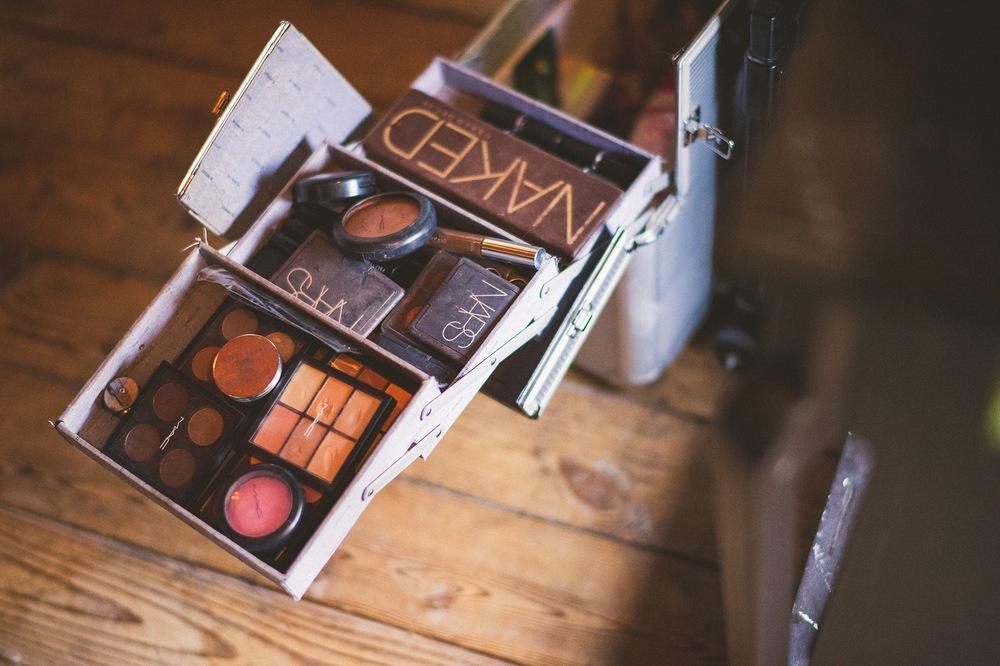 11-bridal-makeup-kit.jpg