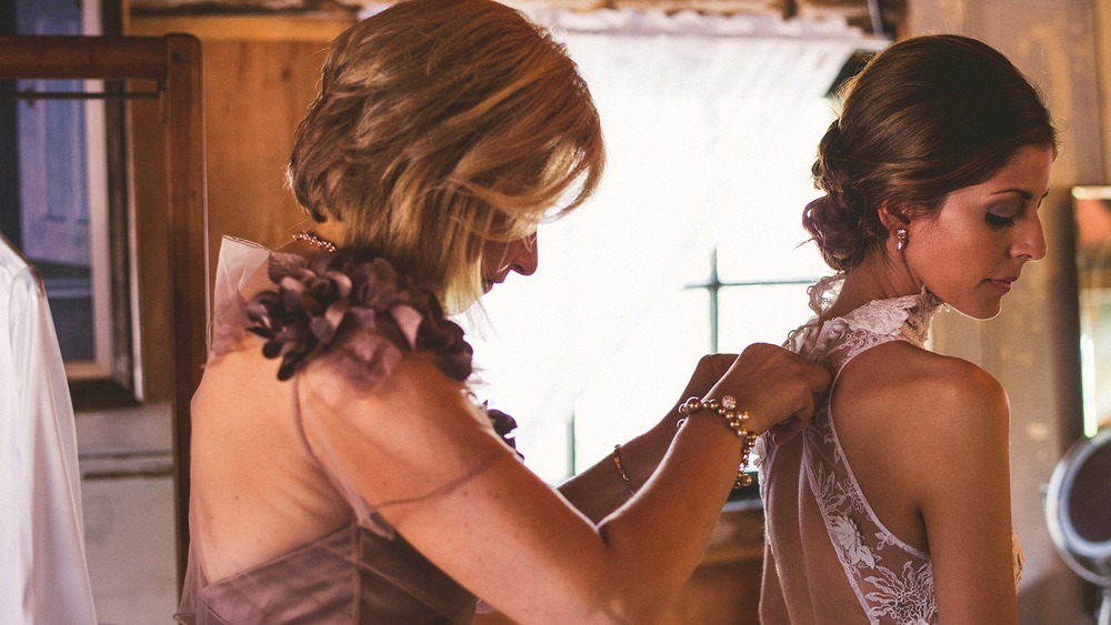 29-bride-and mother.jpg