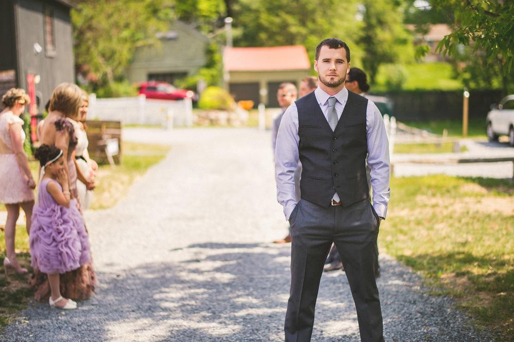 38-groom-waiting-for-bride.jpg